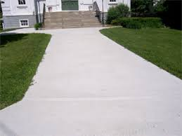 concrete sidewalk to steps